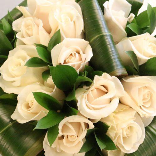 Bouquet rond de roses blanches Amélia