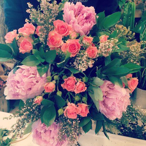 bouquet de pivoines roses arbustives