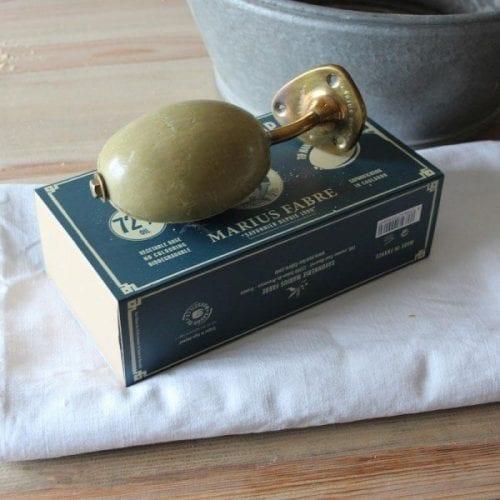 savon-rotatif-a-fixer-au-mur-290-gr-marius-fabre